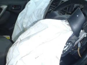 ACCC issues new Takata airbag warning for thousands of cars including ..